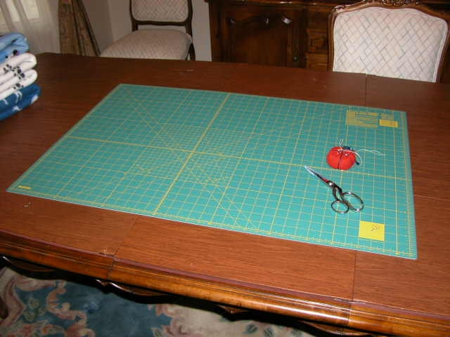 Cutting mat for pet blankets.