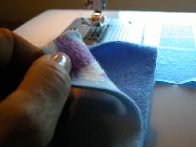 Instuctions to sew pet blanket.